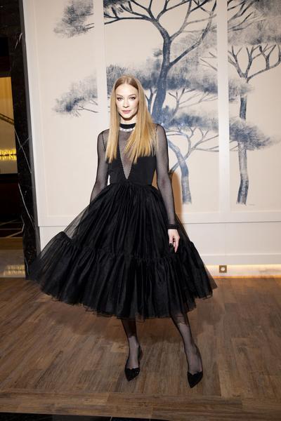 Светлана Ходченкова в платье с сеткой
