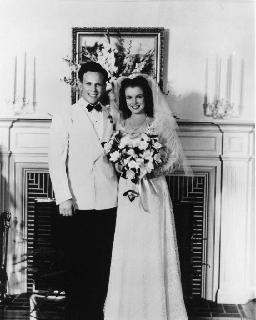 Мэрилин и Джим Догерти.