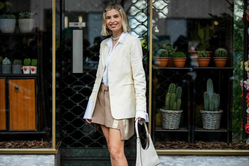 Классический образ с юбкой-шортами