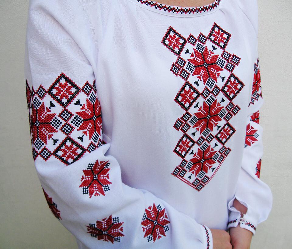860215319_w640_h640_eksklyuzivnaya-zhenskaya-vyshivanka