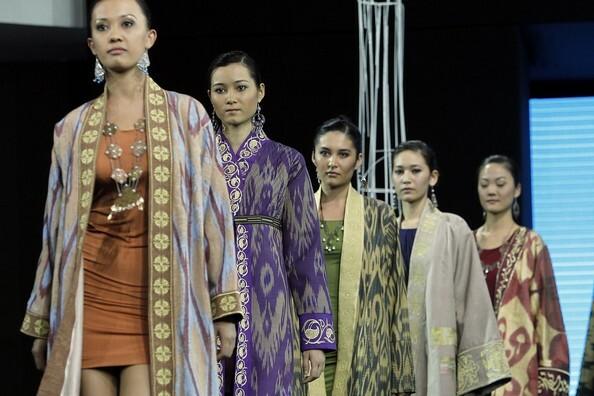 "Festival Tandem: Closing Ceremony Of The International Theatre Festival ""Theatre.Uz"" & The National Dress Festival"